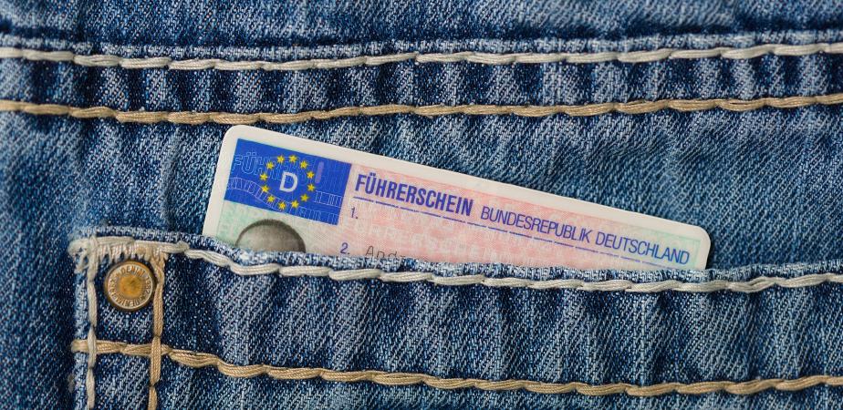 Beglaubigte Übersetzung Spanisch – Deutsch von Führerscheinen