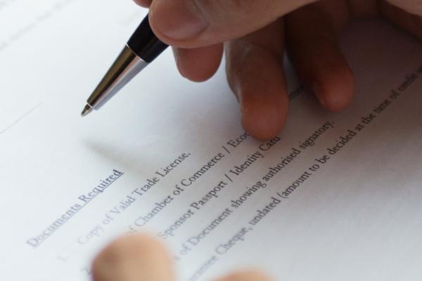 Beglaubigte Übersetzung Vertrag Spanisch – Deutsch